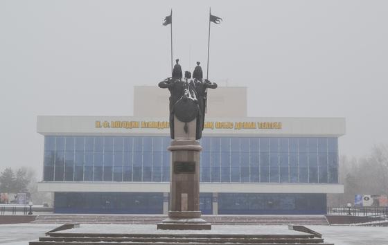 Памятник батырам-соратникам в Петропавловске