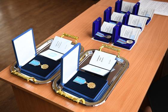 Погибших при тушении пожара в Алматинской области наградили посмертно (фото)