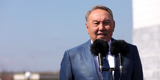 """""""Нет безработицы, есть отсутствие профессии"""": Назарбаев рассказал о своей работе землякам"""