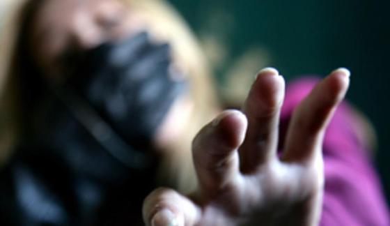 """""""Ударил в челюсть, сорвал цепочку"""": рецидивист напал на девушку в Экибастузе"""