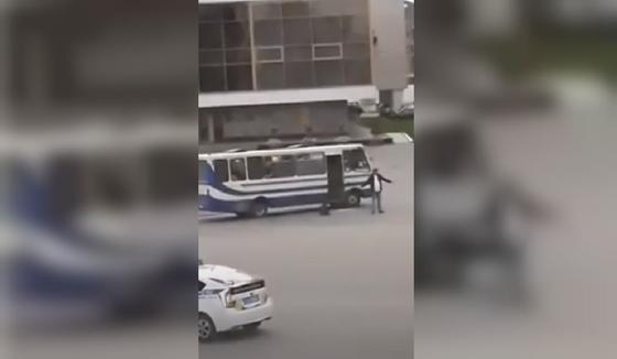 Ждал полицейских :спецназ Украины пропустил момент сдачи террориста Кривоша (видео)