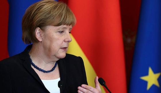 Меркель рассказала о своих приступах дрожи