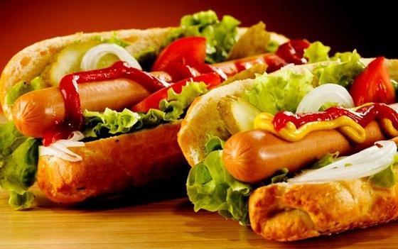 Хот-дог: рецепт с салатом и овощами