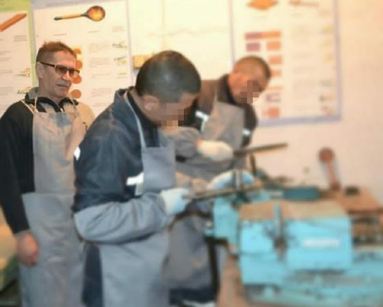 Осужденные заняты на производстве