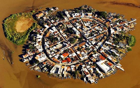 Мескальтитан қаласы