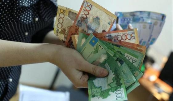 Акимат Астаны прокомментировал выплаты 100 тыс. тенге многодетным