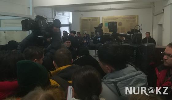 Суд по делу об убийстве Дениса Тена начался в Алматы