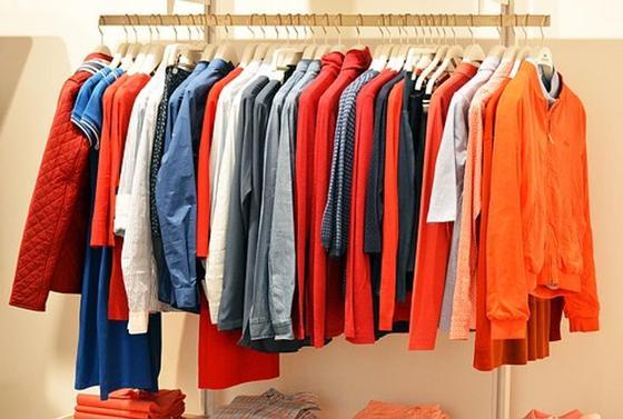 Красно-оранжевые цвета в одежде