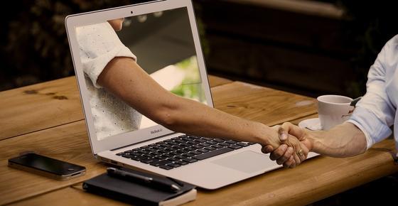 Пользователи Сети признались, о чем лгут на сайтах знакомств