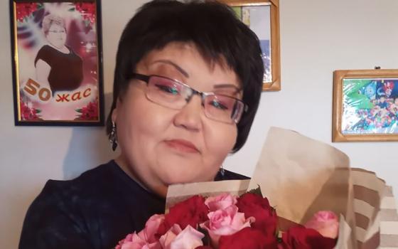 """""""Работала на базаре, чтобы прокормить семью"""": казахстанка заболела редким видом рака"""