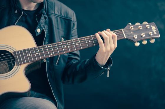Казахстанцам вернут деньги за отмененные из-за коронавируса концерты