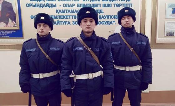 Курсанты усмирили двоих нарушителей карантина в Петропавловске