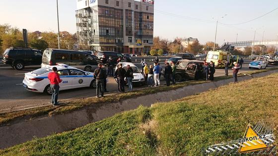 Авария произошла в Алматы