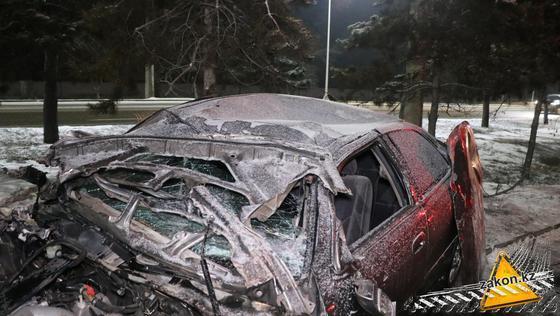 Попавший в ДТП автомобиль