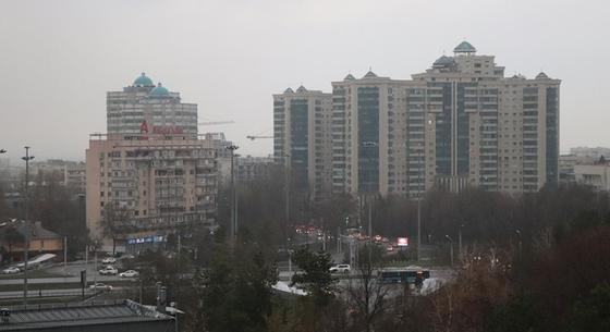 После потепления на Алматы обрушился первый весенний ливень (фото)