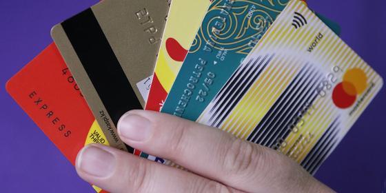 Насколько безопасно хранить деньги на банковской карте в Казахстане