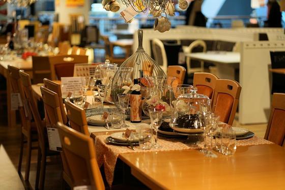 Что будет с барами и ресторанами на период ЧП в стране, рассказал Даленов
