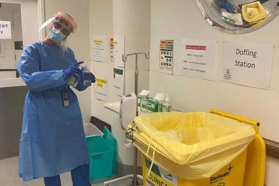 Медсестра обнаружила у себя новый симптом коронавируса