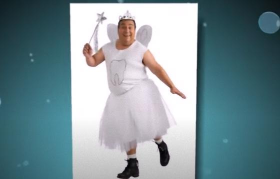 Мужчина в костюме феи