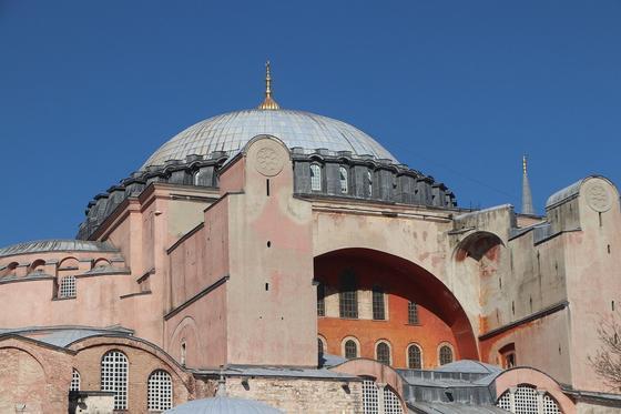 Собор Святой Софии в Турции перестал быть музеем и стал мечетью