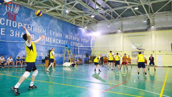 Астанада Қорғаныс министрінің кубогына волейбол турнирі басталды