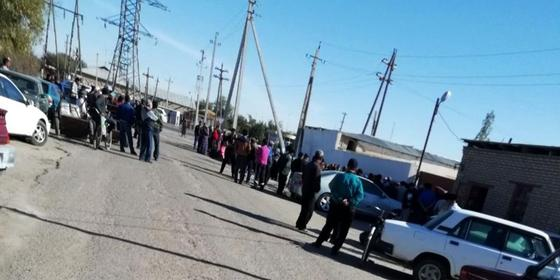 Жители областей в Туркменистане месяцами стоят в очереди за мукой