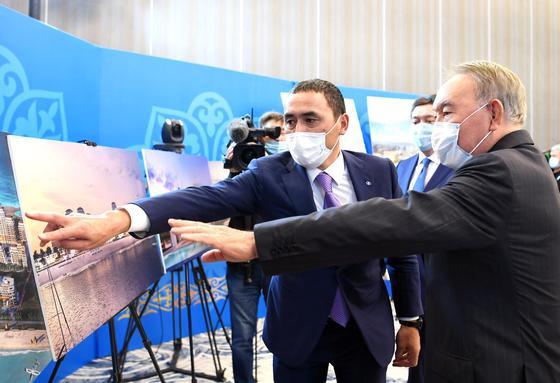 назарбаев смотрит проект