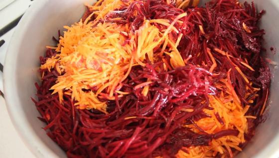 Измельченные морковь и свекла