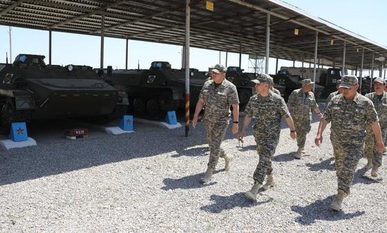 Министр обороны находится в городе Арысь
