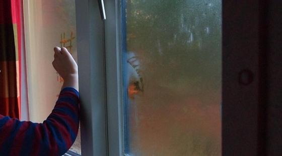 2-летний ребенок погиб, упав с 8 этажа в Актобе