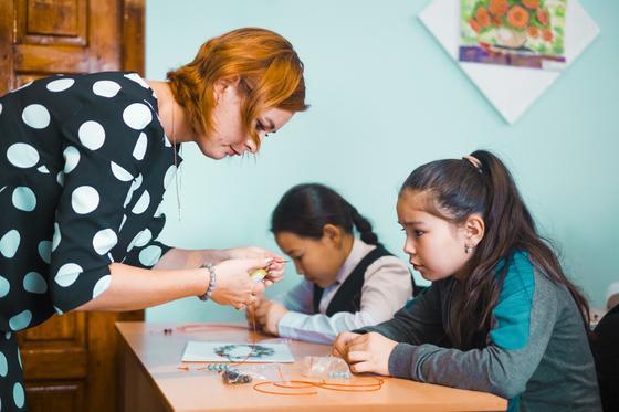 Подруги из Петропавловска помогают трудоустроиться матерям-одиночкам
