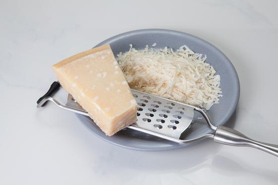 Сырные шарики на сковороде: рецепт