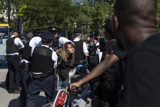 Около 4 тыс. человек задержали в ходе беспорядков в США