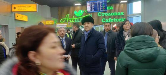 Сагинтаев прибыл на место крушения самолета в Алматы