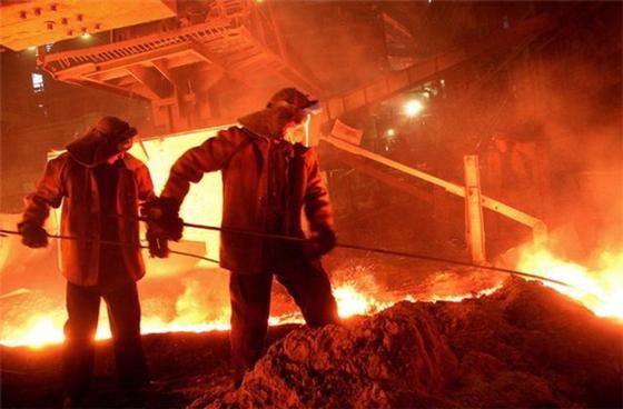 Эксперт: «Нельзя допустить, чтобы крупные предприятия Казахстана закрылись»