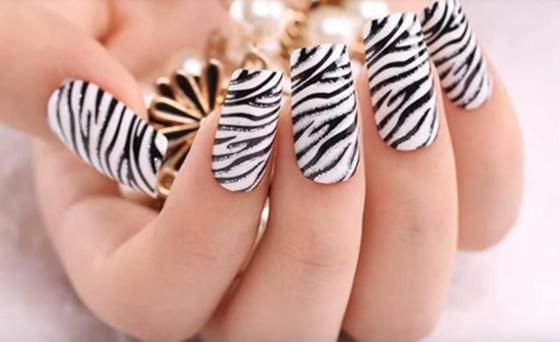 Черно-белый маникюр на короткие и длинные ногти: идеи