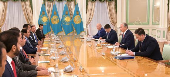 Токаев встретился с делегацией из Катара