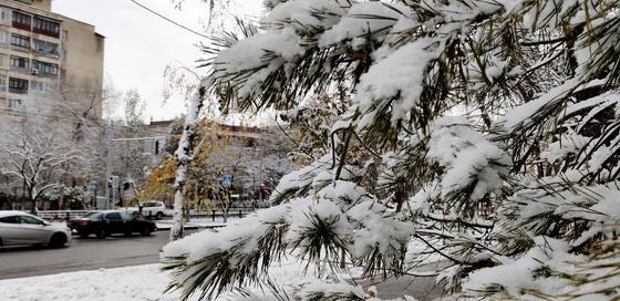 Снег и потепление пообещали на выходные в Казахстане