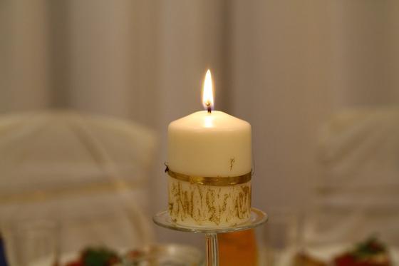 Золотистая свеча