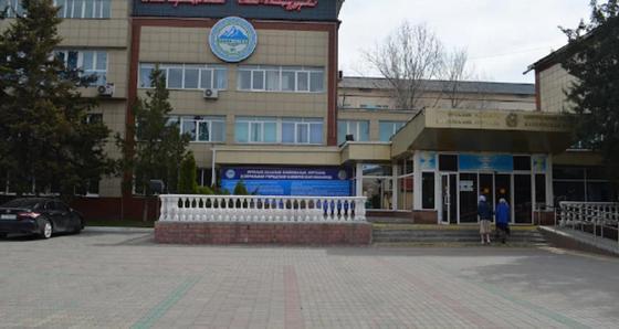 Зараженную в Алматы ЦГКБ закроют на неделю, заявил Биртанов