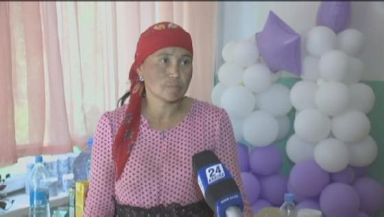 Многодетная мать нашла потерянных во время взрывов в Арыси детей
