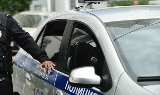 Пьяный мужчина избил полицейского антенной от автомобиля ДПС