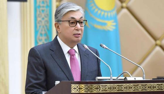 Токаев: Преемственность власти прошла без паники и напряжения