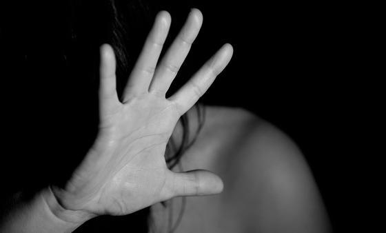 В Кыргызстане 26-летняя мать троих детей умерла после избиения мужем