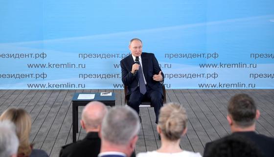 Путин напомнил о причинах испорченных отношений с Украиной