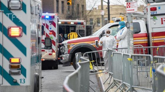 """Паника и """"легкая анархия"""". Как Нью-Йорк живет во время пандемии коронавируса"""
