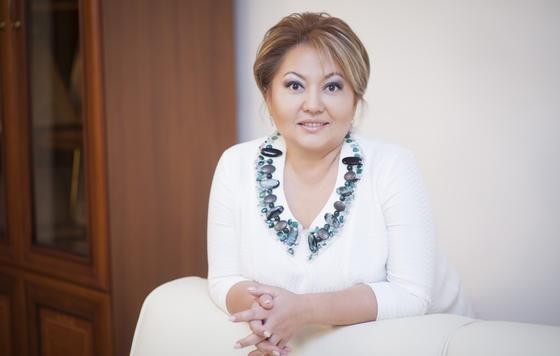 Вице-министра МОН Суханбердиеву судят вместе с ее близкой подругой