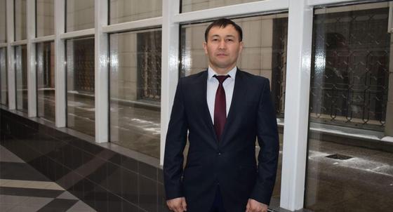 Крушение самолета Bek Air: инкассатор из Алматы помог спасти людей