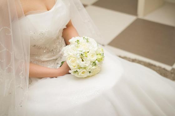 """""""Я хочу свадьбу, а она хочет вложиться в бизнес"""": девушка пожаловалась на планы свекрови"""
