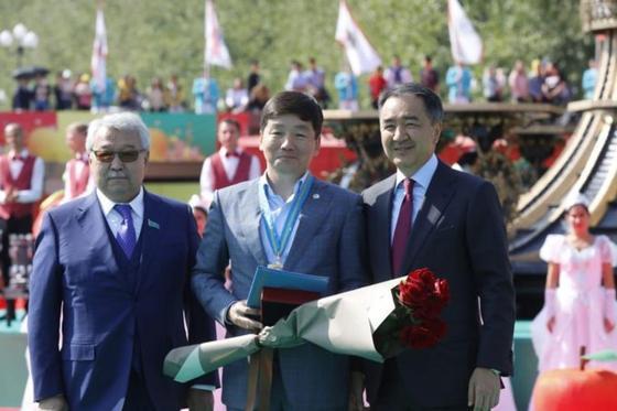 Байбек стал почетным гражданином Алматы